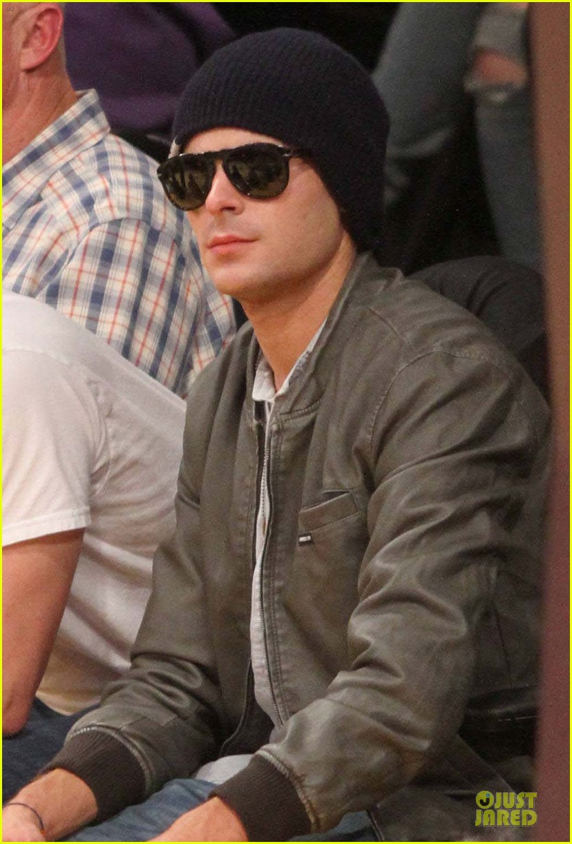 zac efron cheers on lakers for win against timberwolves 043015762