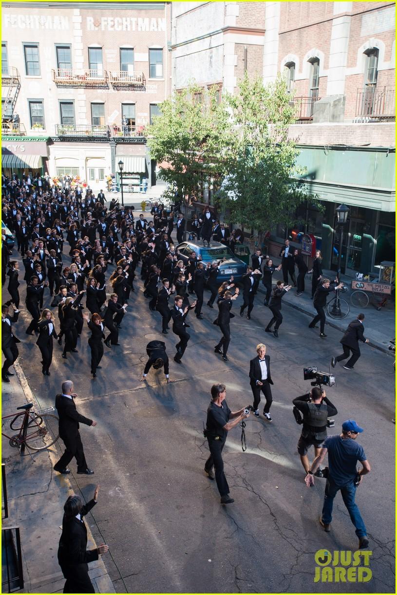 ellen degeneres dances down the streets in first oscars promo 033015109