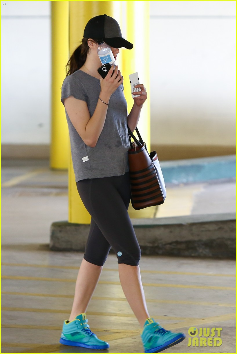 emmy rossum workout after long night rest 053016251