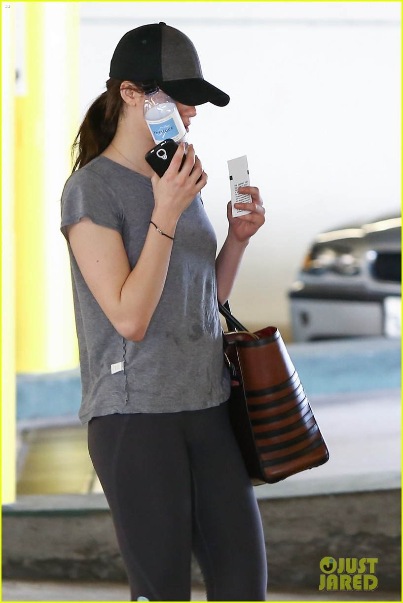 emmy rossum workout after long night rest 09