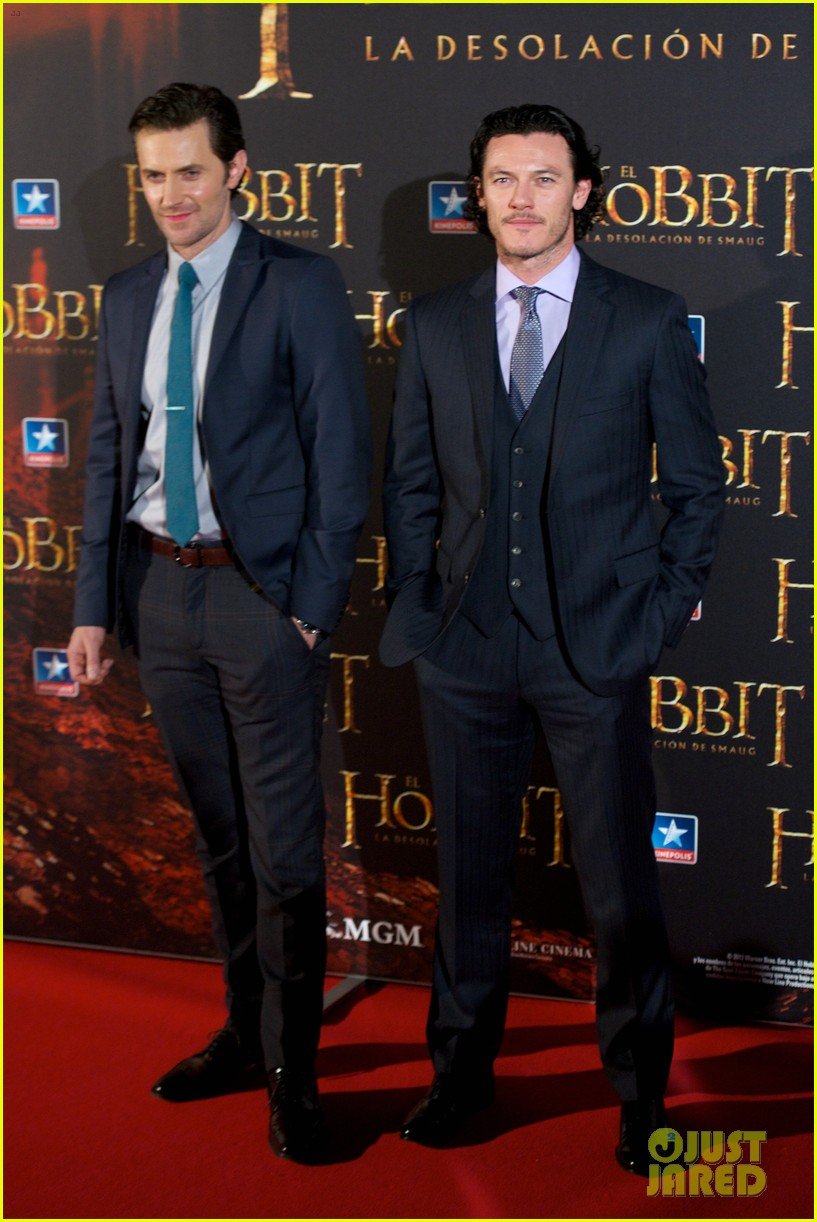 luke evans hobbit madrid premiere with richard armitage 093010534