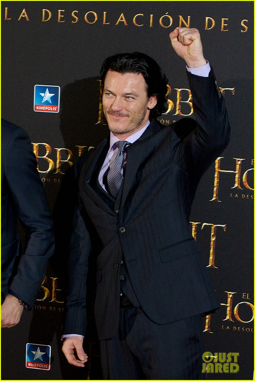 luke evans hobbit madrid premiere with richard armitage 103010535