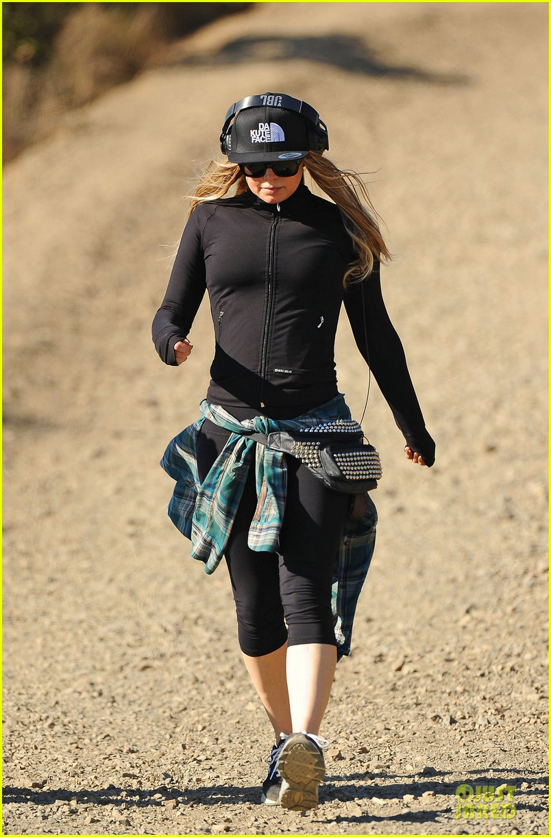 fergie solo hike before dick clark new year rockin eve 053020224