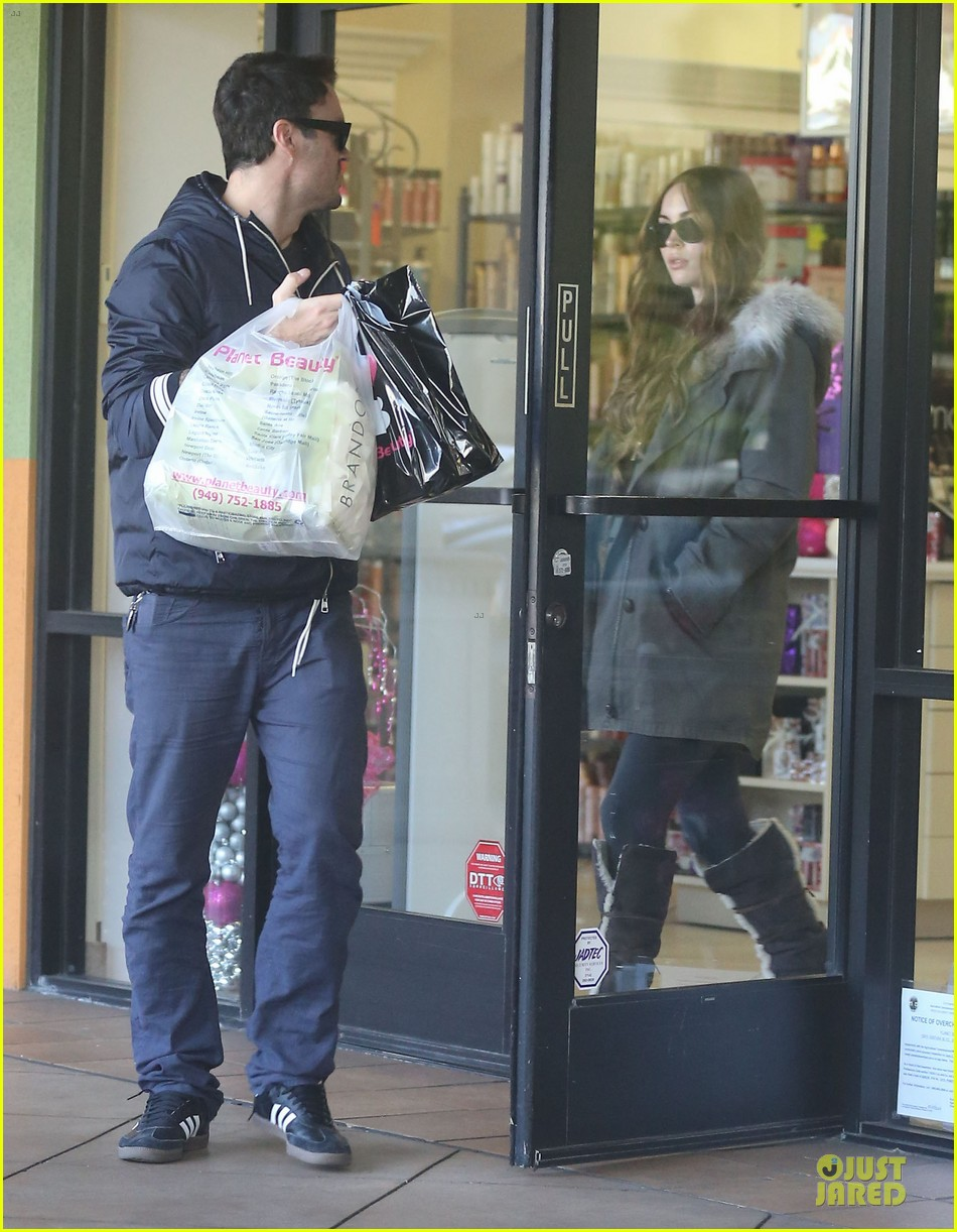 megan fox brian austin green planet beauty shopping pair 093007125