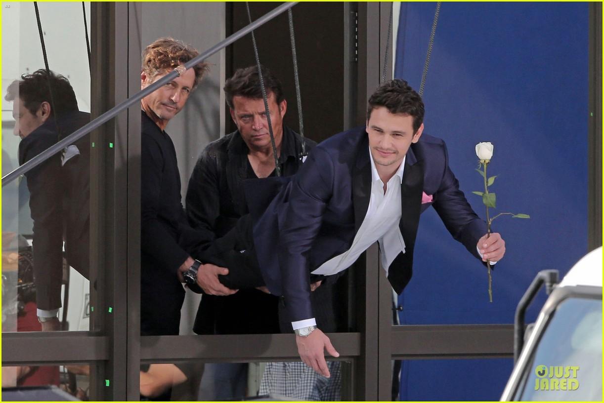 james franco holds white rose for ford commercial 033013797
