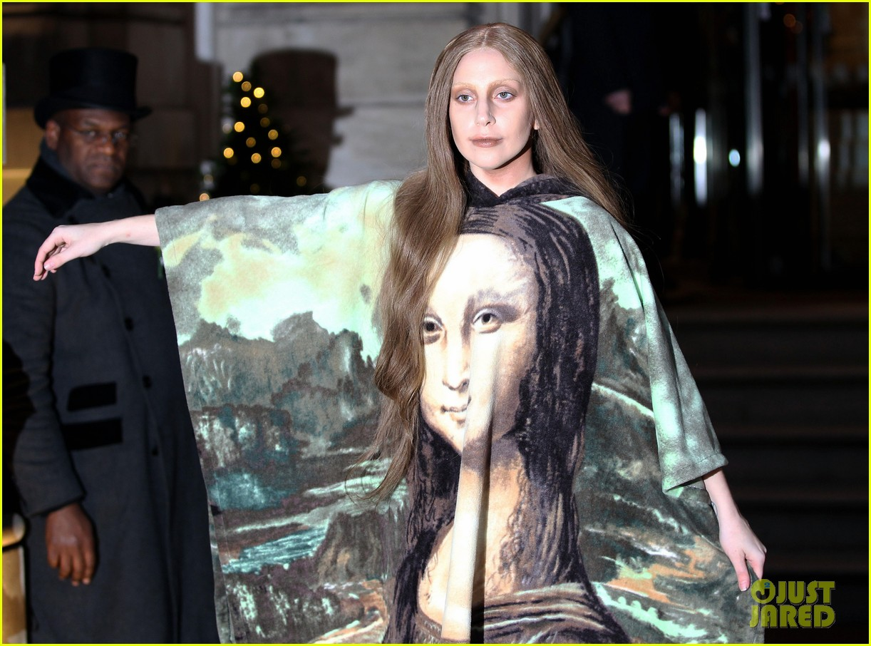 lady gaga displays mona lisa dress in london 093004966