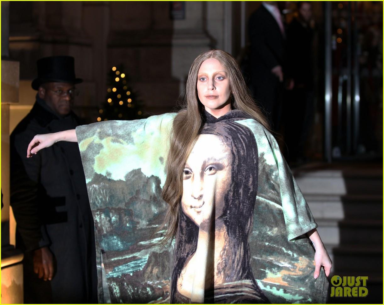 lady gaga displays mona lisa dress in london 103004967
