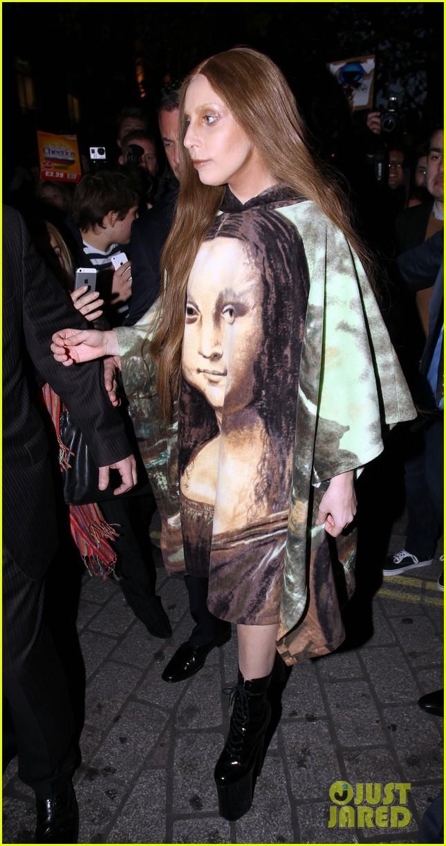 lady gaga displays mona lisa dress in london 13