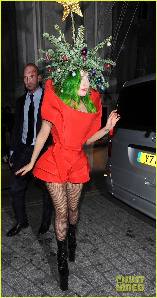 lady gaga dresses as christmas tree after capital fm ball 093007987