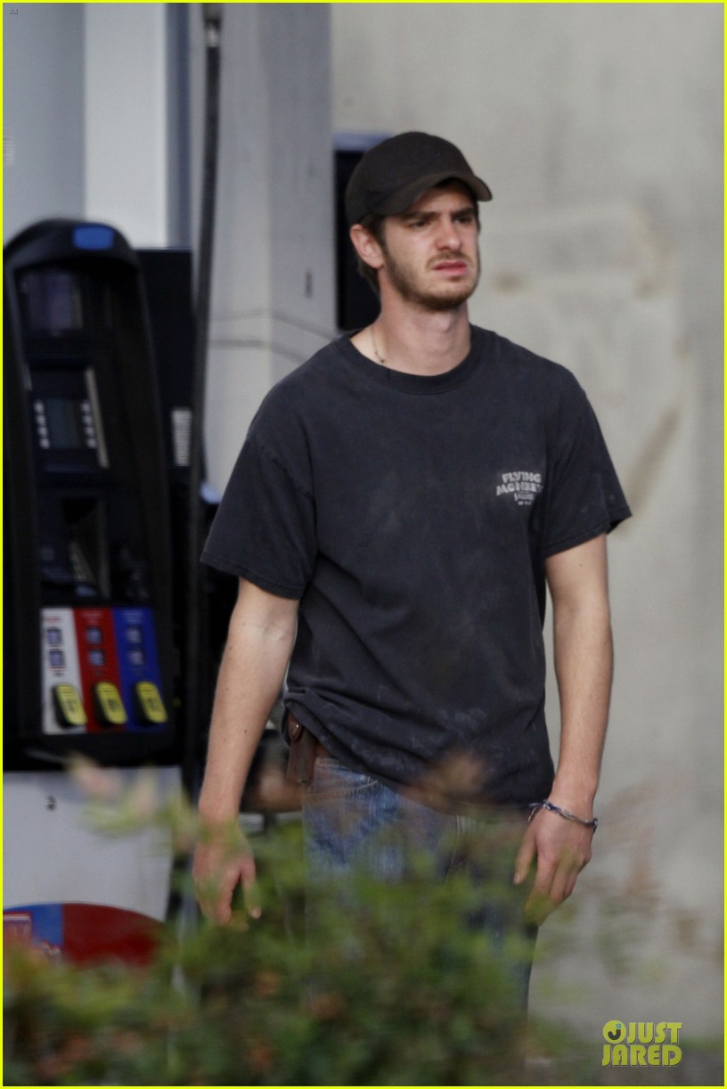 andrew garfield 99 homes set with michael shannon 023004430