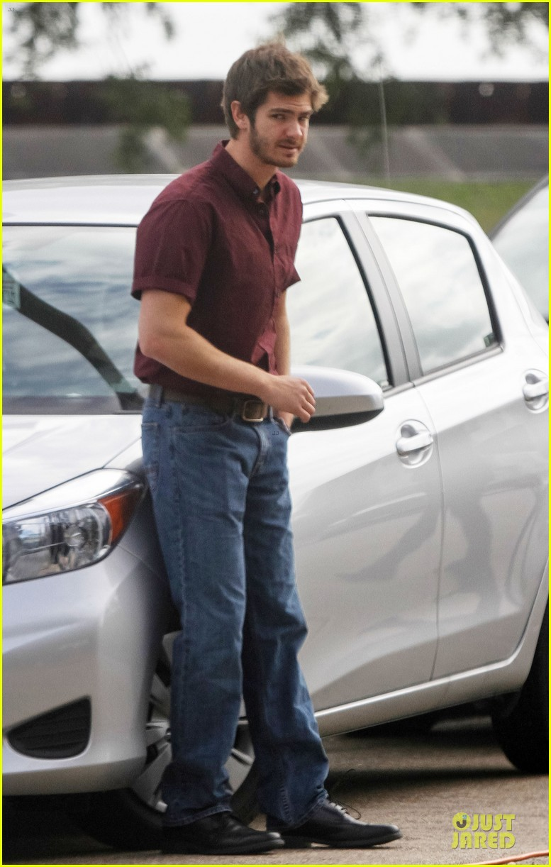 andrew garfield 99 homes set with michael shannon 083004436
