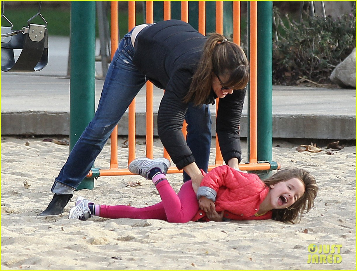 jennifer garner ben affleck sunday park day with the kids 053008326