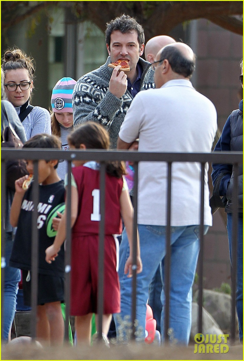 jennifer garner ben affleck sunday park day with the kids 143008335