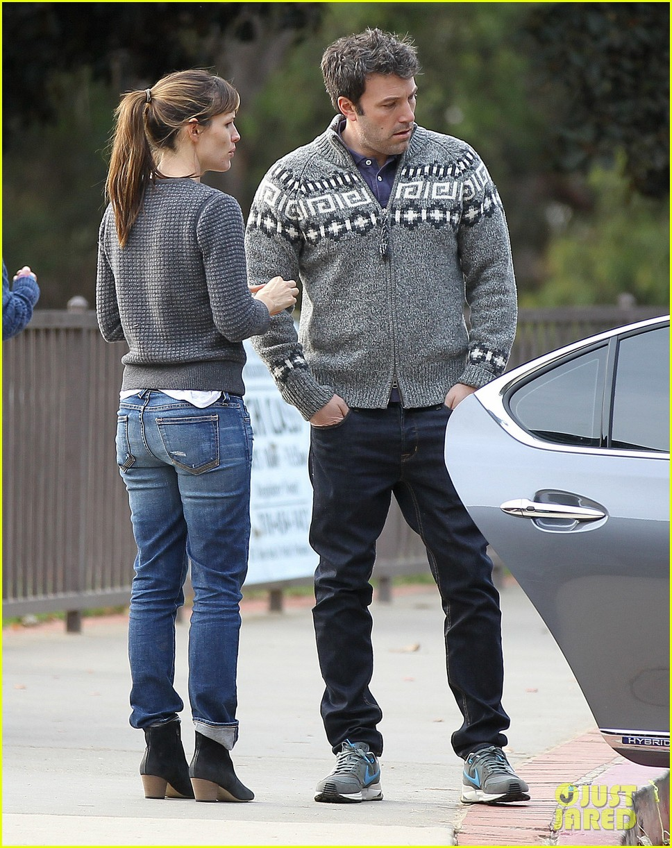 jennifer garner ben affleck sunday park day with the kids 19