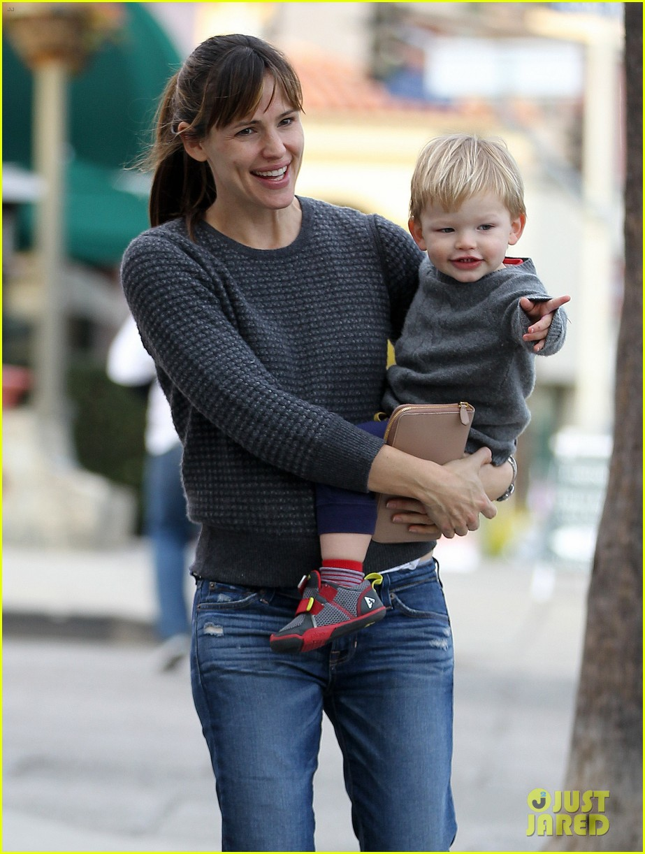 jennifer garner ben affleck sunday park day with the kids 233008344