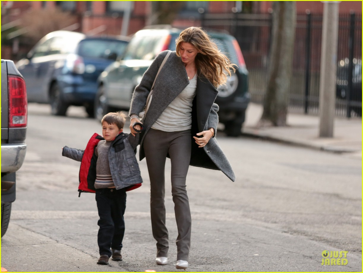 gisele bundchen tom brady christmas eve at boston symphony 01