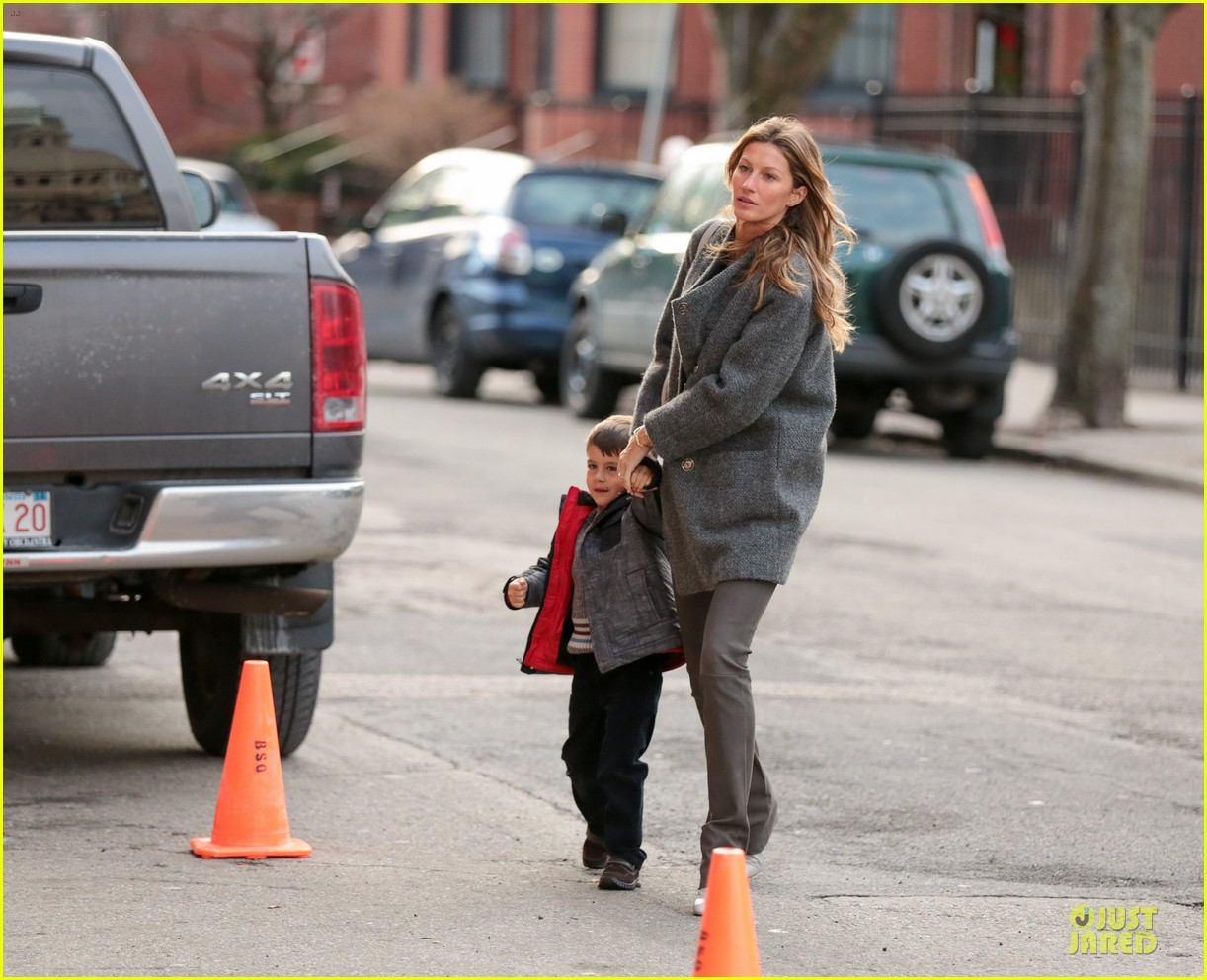 gisele bundchen tom brady christmas eve at boston symphony 05