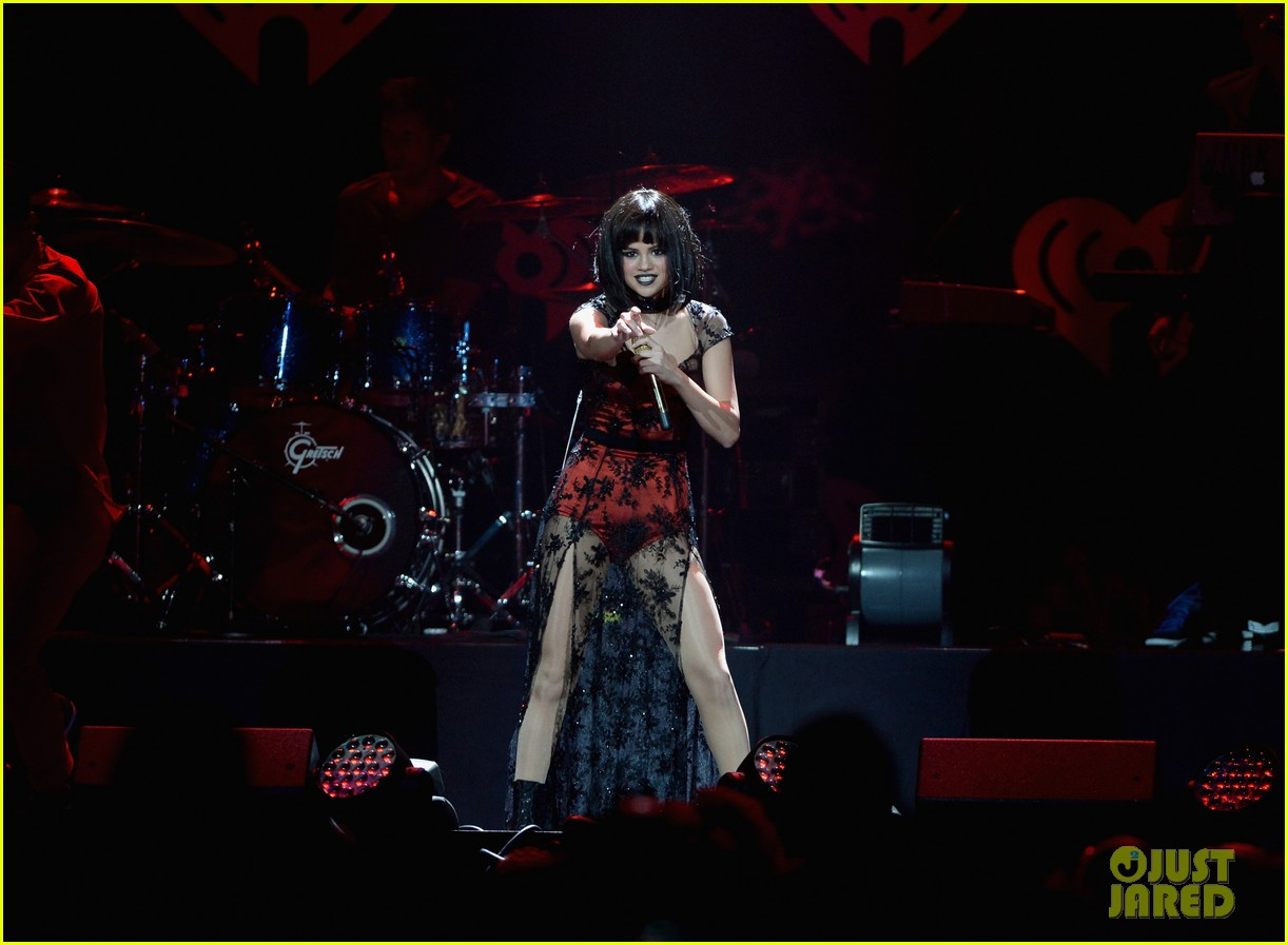 selena gomez goes gothic chic for kiis fm jingle ball 2013 143006892