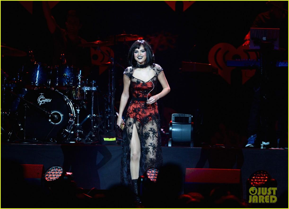 selena gomez goes gothic chic for kiis fm jingle ball 2013 153006893