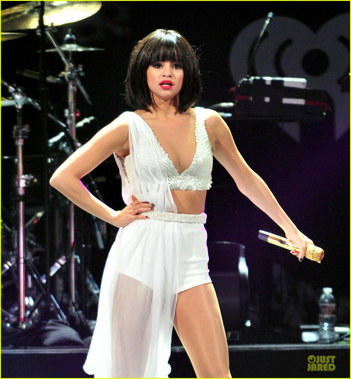 selena gomez sports wig for 1061 kiss fm jingle ball 133003951