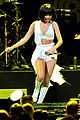 selena gomez sports wig for 1061 kiss fm jingle ball 12