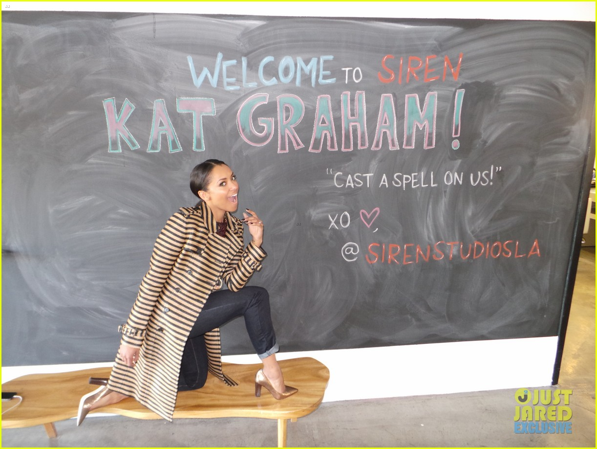 kat graham jj spotlight of the week behind the scenes pics 023017173