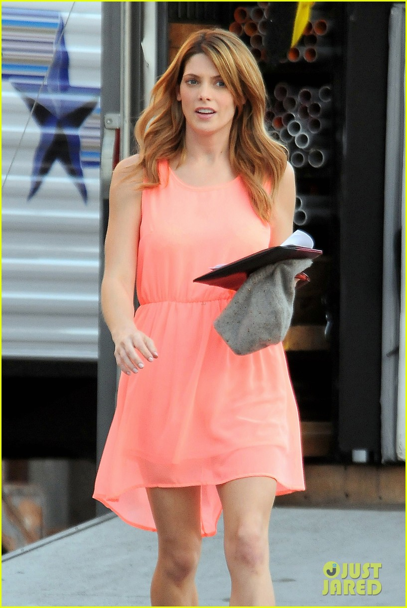 ashley green wears little pink dress for burying the ex 023005568