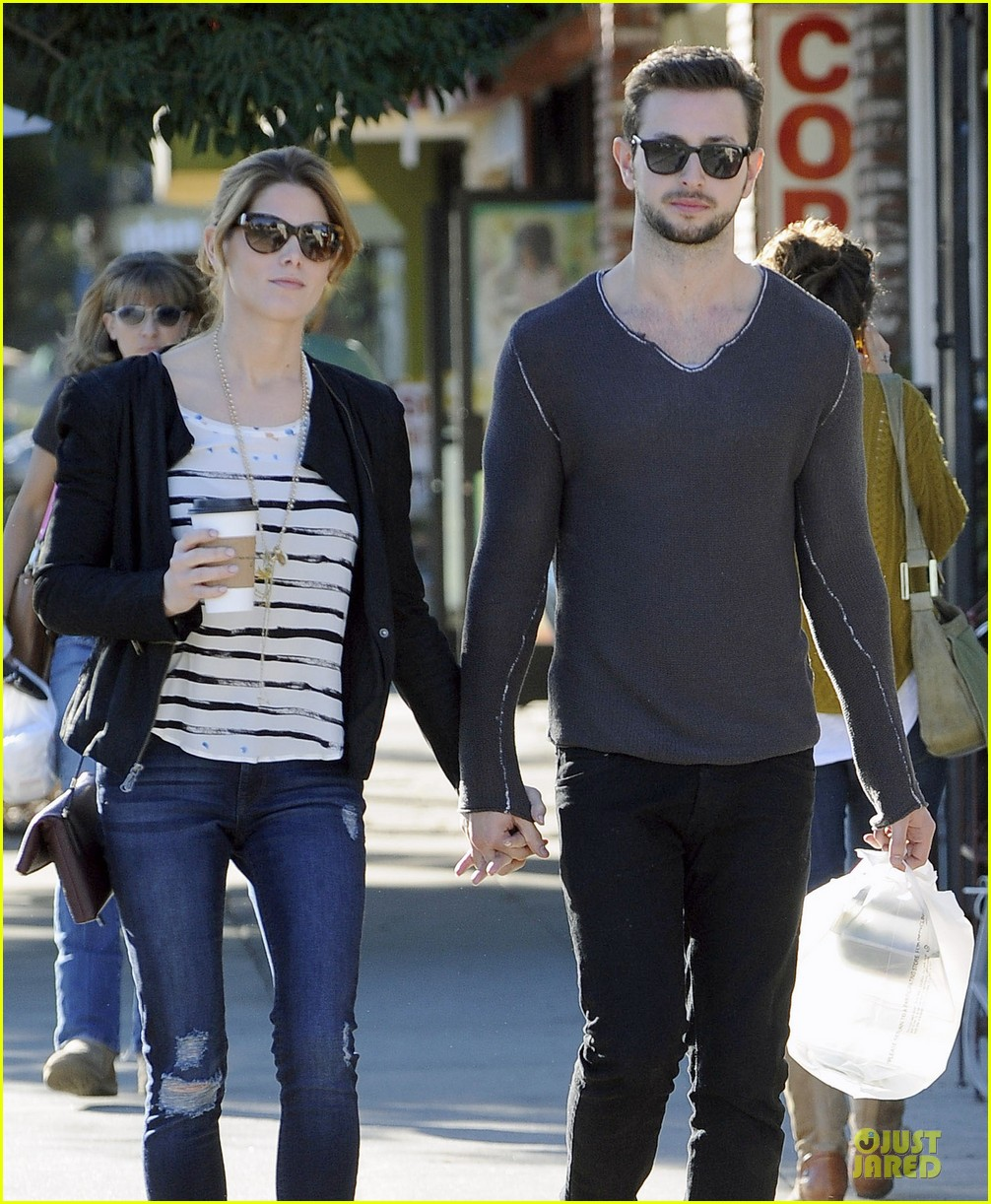 ashley greene paul khoury romancing the bean date 023012081