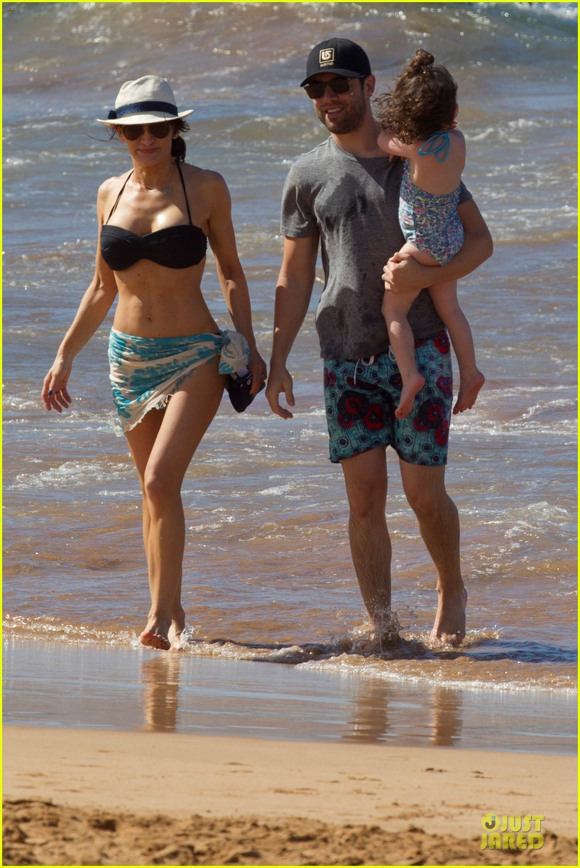 max greenfield shirtless vacation with bikini clad wife tess 033020269