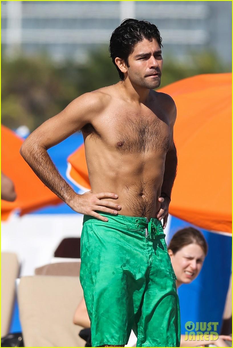 Entourages Adrian Grenier: Shirtless Miami Beach Day