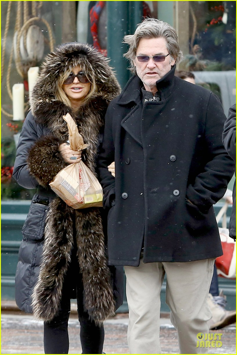 goldie hawn kurt russell aspen chat with melanie griffith 023017497