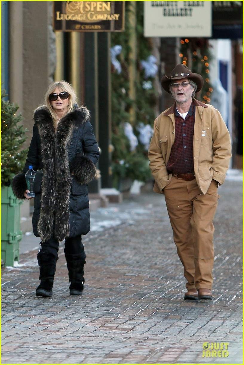 goldie hawn kurt russell aspen chat with melanie griffith 063017501