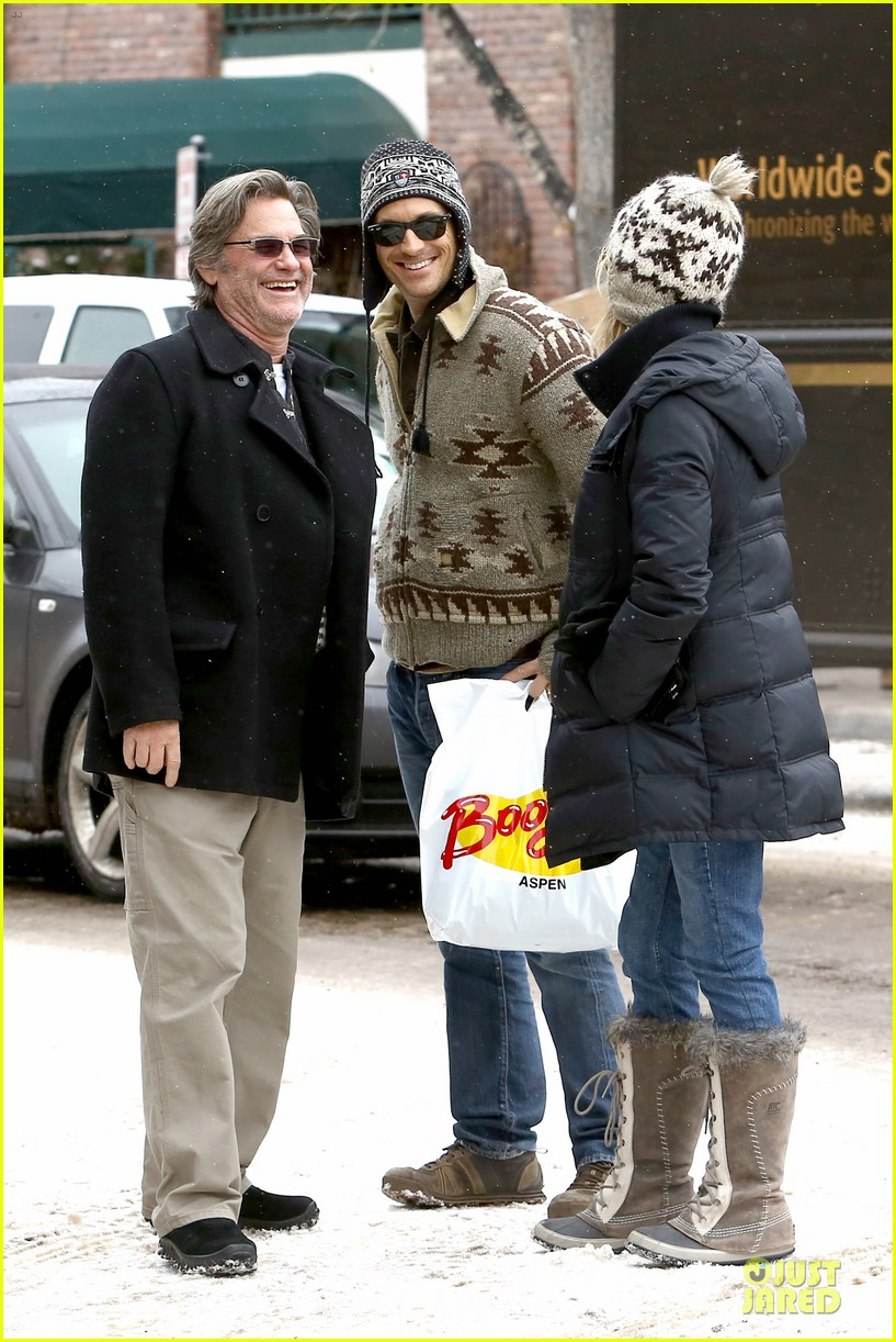 goldie hawn kurt russell aspen chat with melanie griffith 263017521