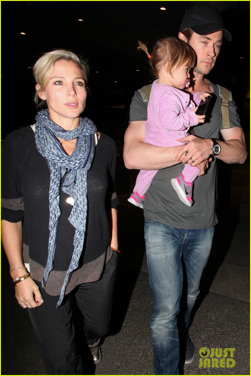 chris hemsworth carries india in his huge arms at lax 093015343