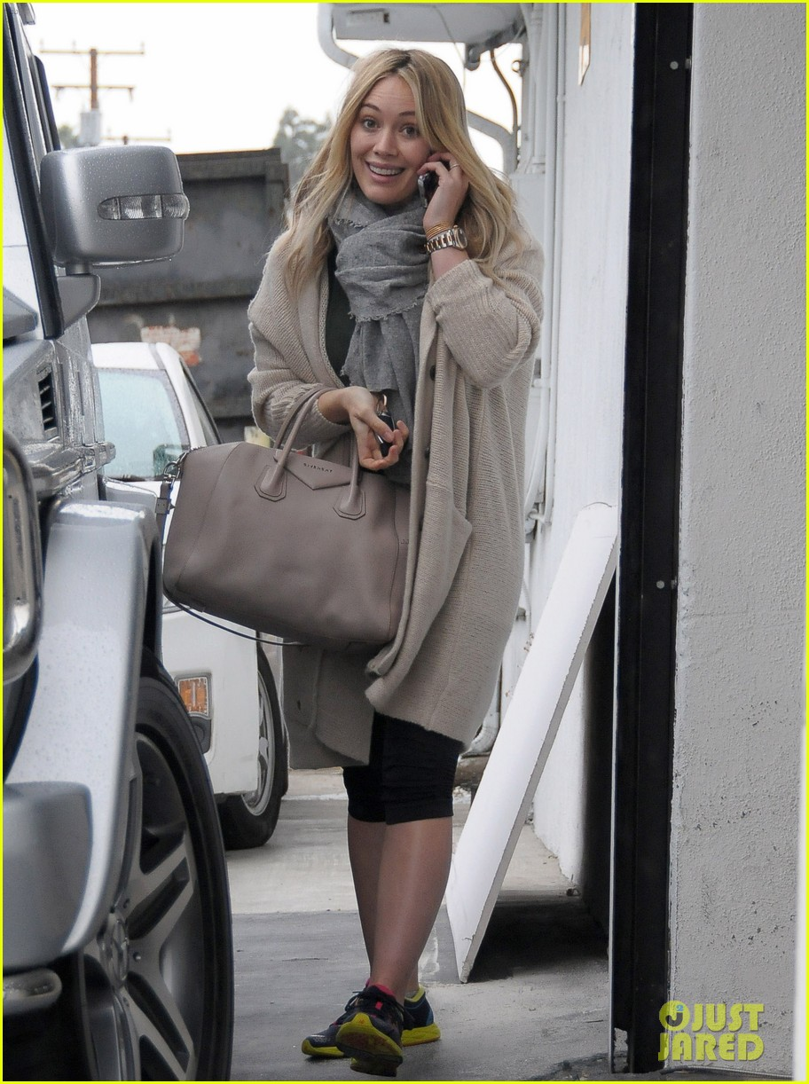 hilary duff busy weekend with her boys 043007792