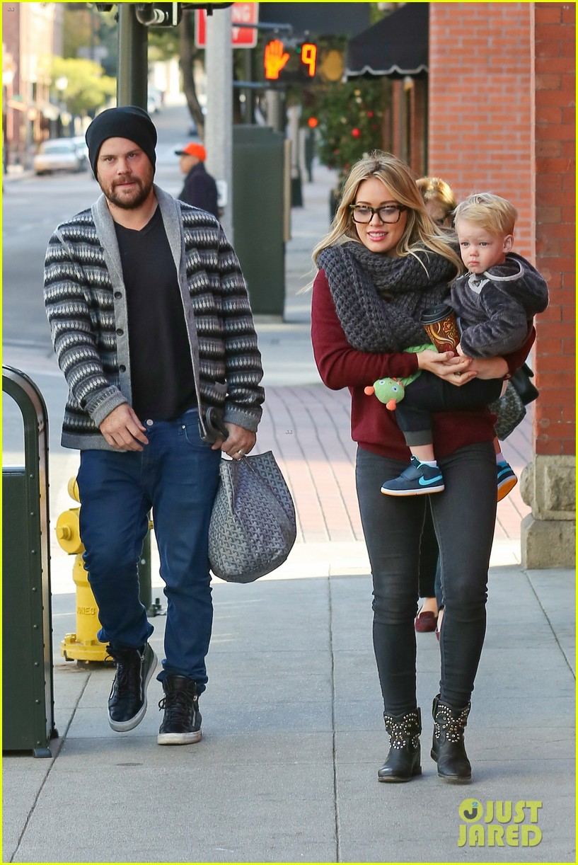 hilary duff busy weekend with her boys 05