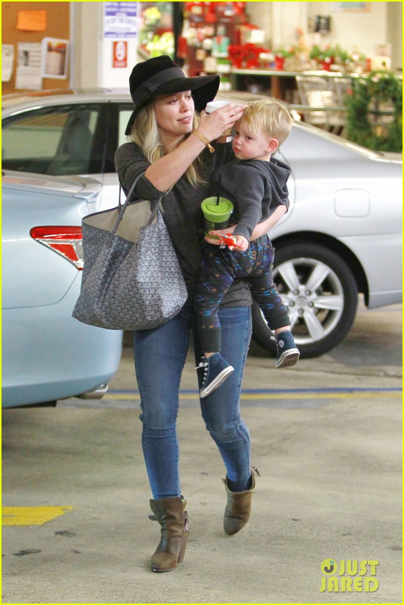 hilary duff busy weekend with her boys 063007794