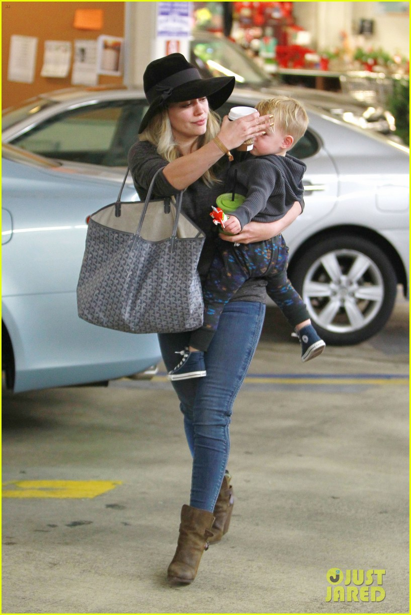 hilary duff busy weekend with her boys 093007797