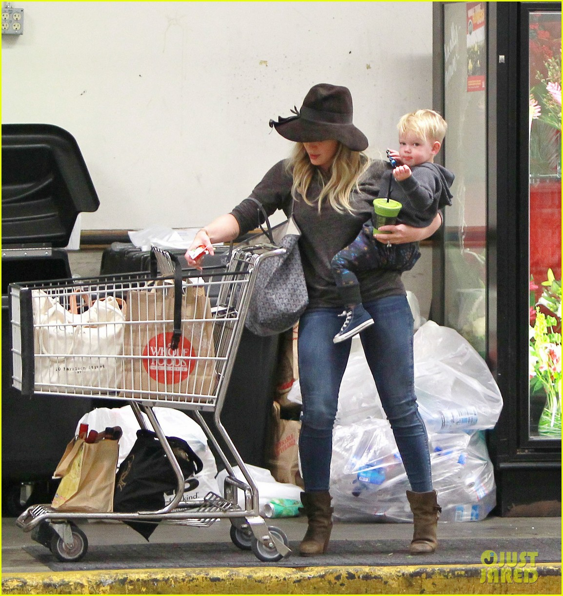 hilary duff busy weekend with her boys 133007801