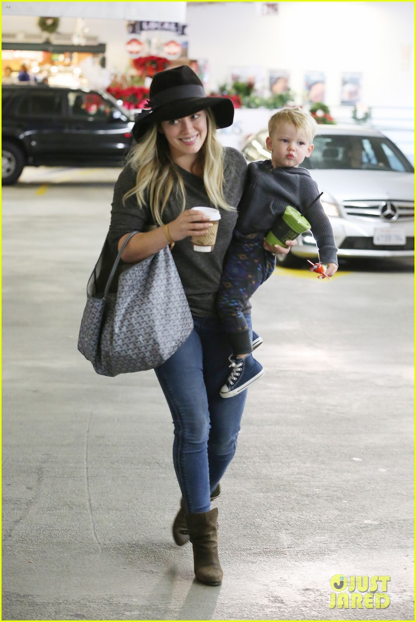 hilary duff busy weekend with her boys 153007803