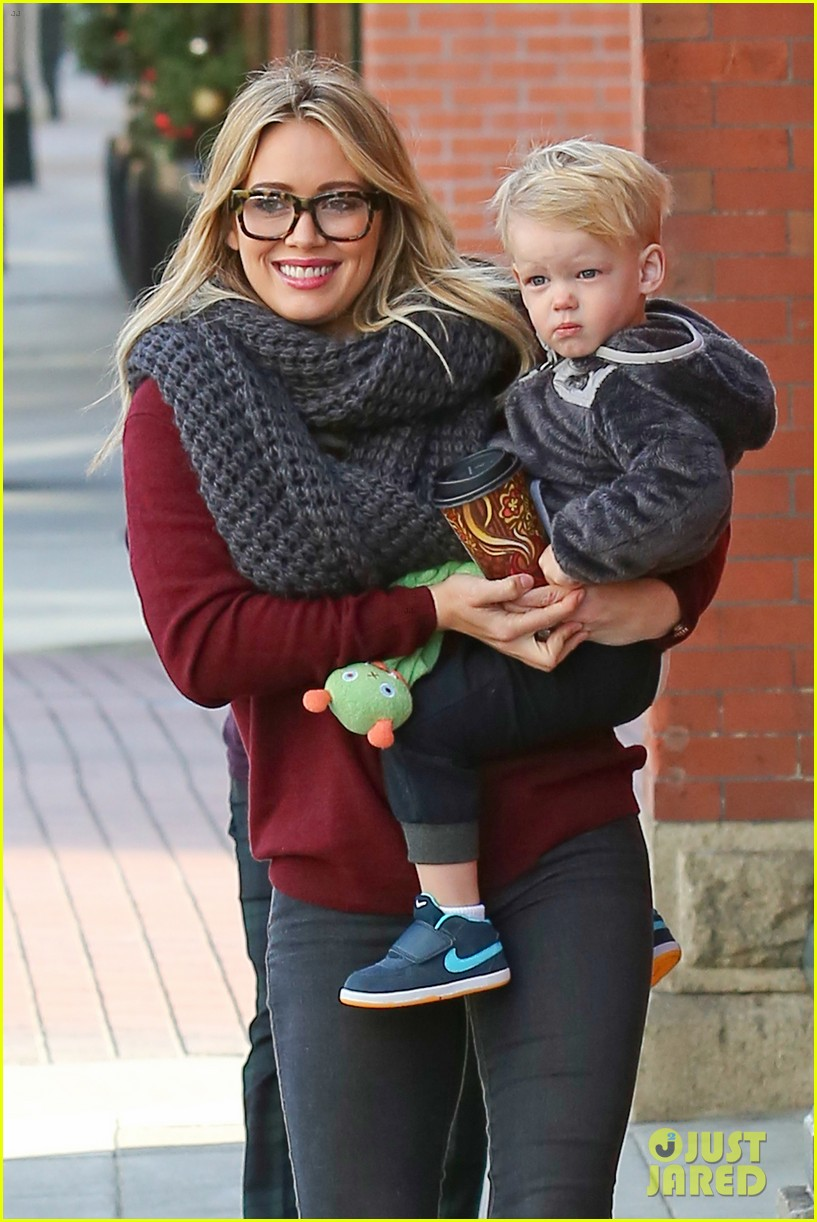 hilary duff busy weekend with her boys 233007811