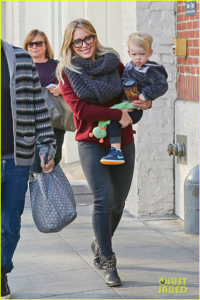 hilary duff busy weekend with her boys 243007812