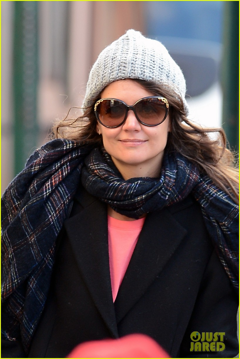 katie holmes happy 35th birthday 083014353