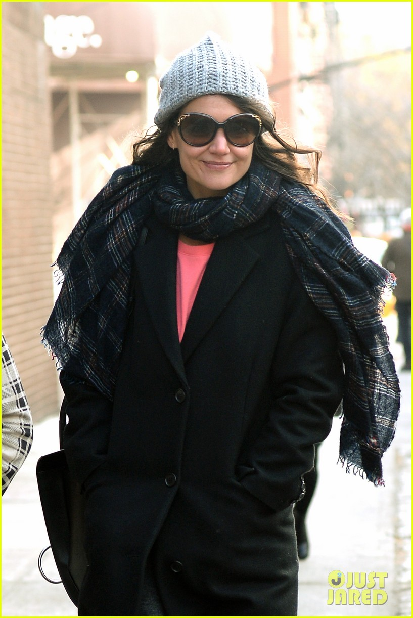 katie holmes happy 35th birthday 093014354