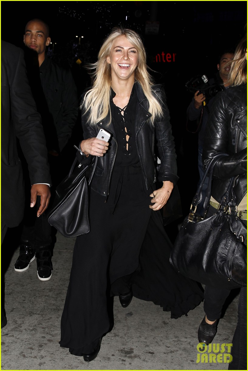julianne hough beyonces mrs carter world tour viewing party 15