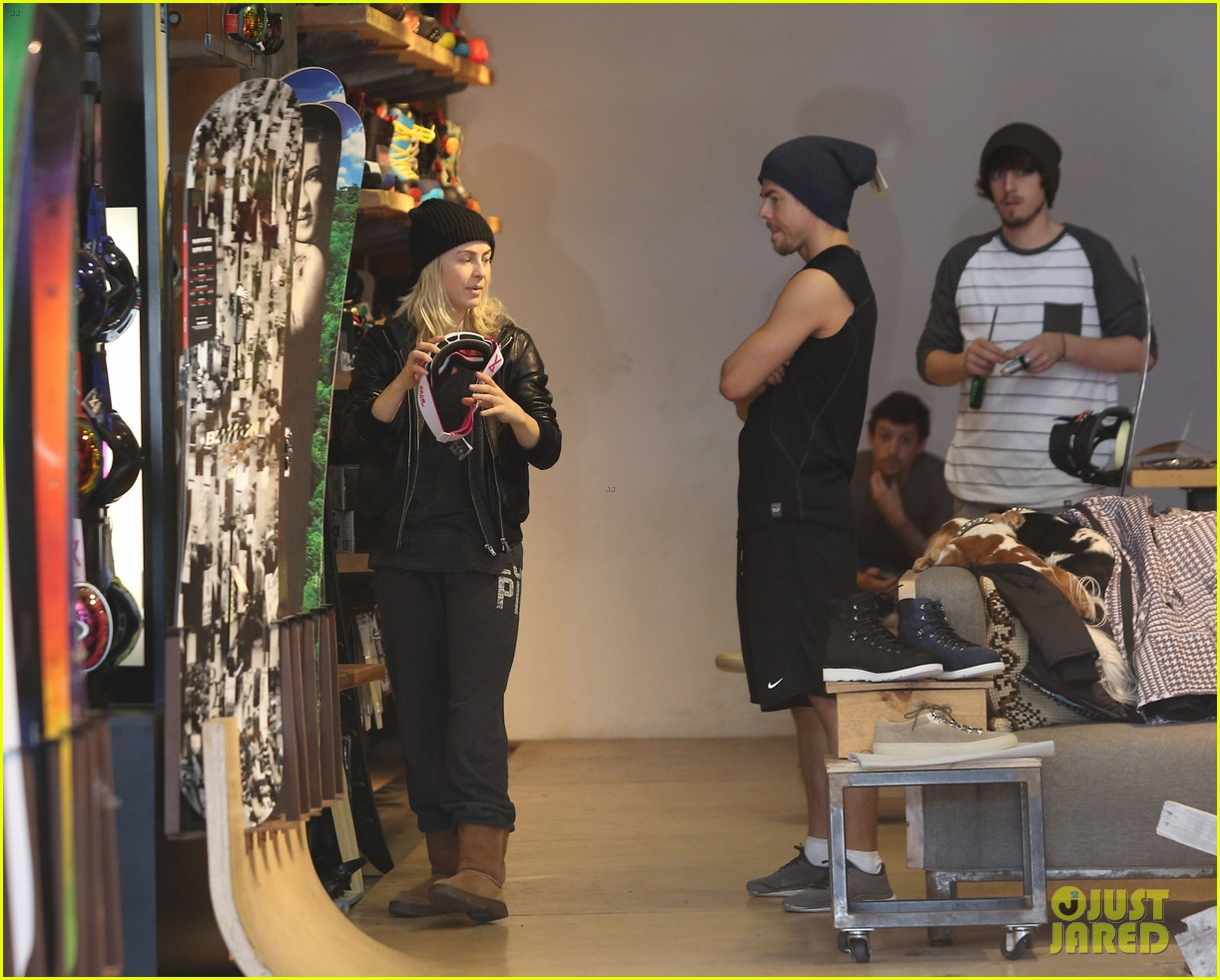 julianne hough goes snowboard shopping with derek 243016105