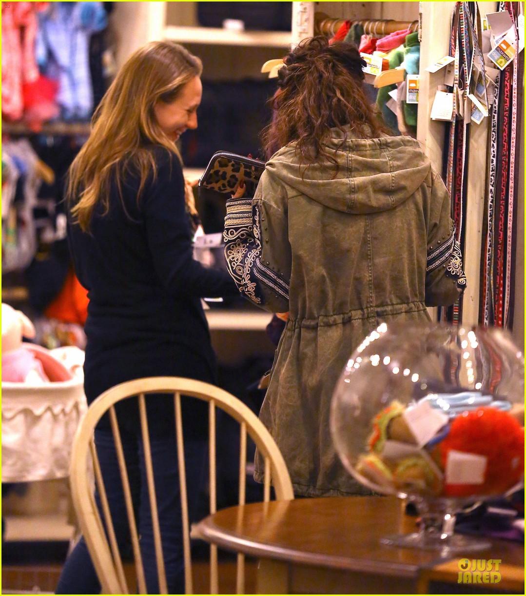 vanessa hudgens last minute holiday shopping at pet store 16