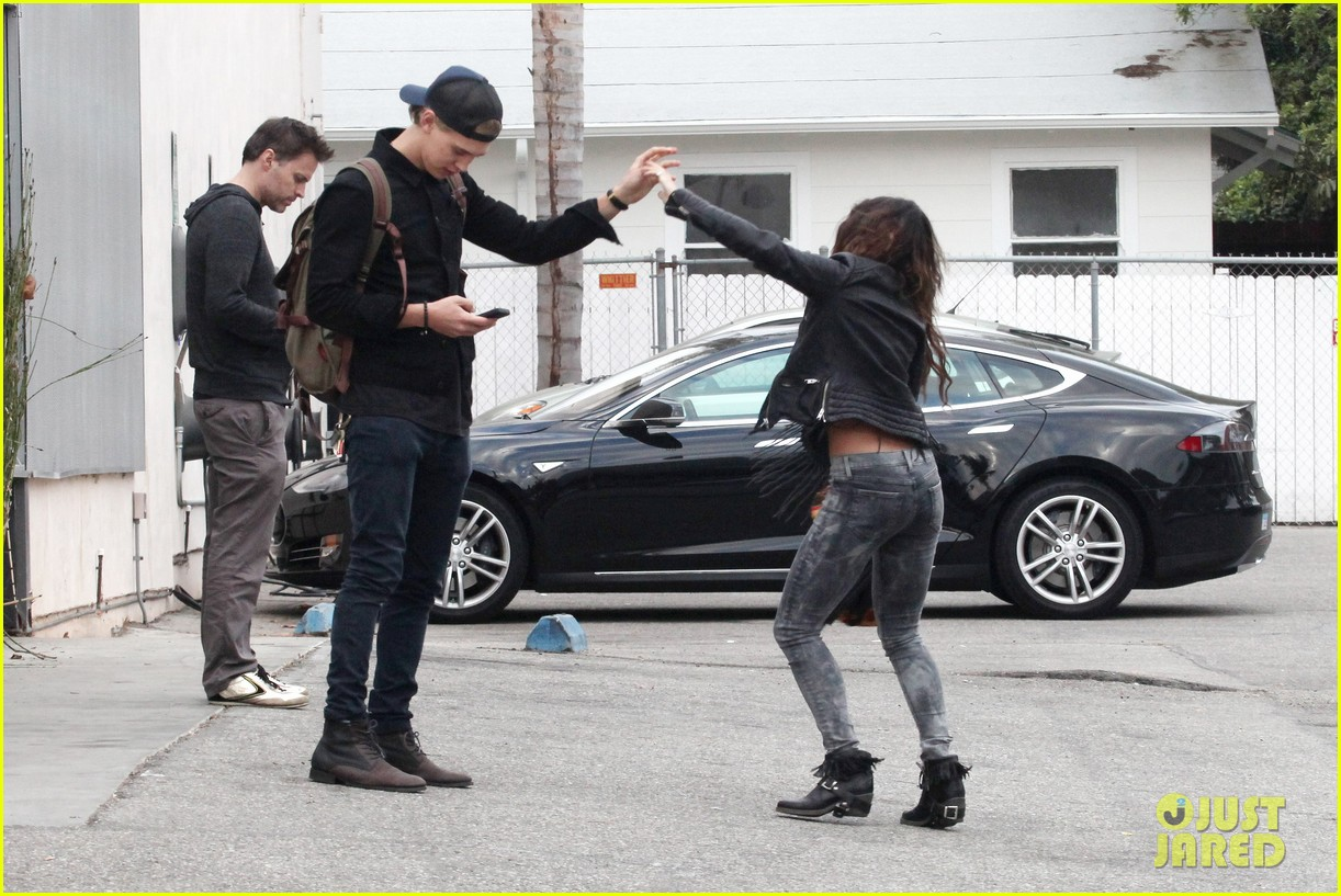 vanessa hudgens dance take silly selfies in a parking lot 183014659