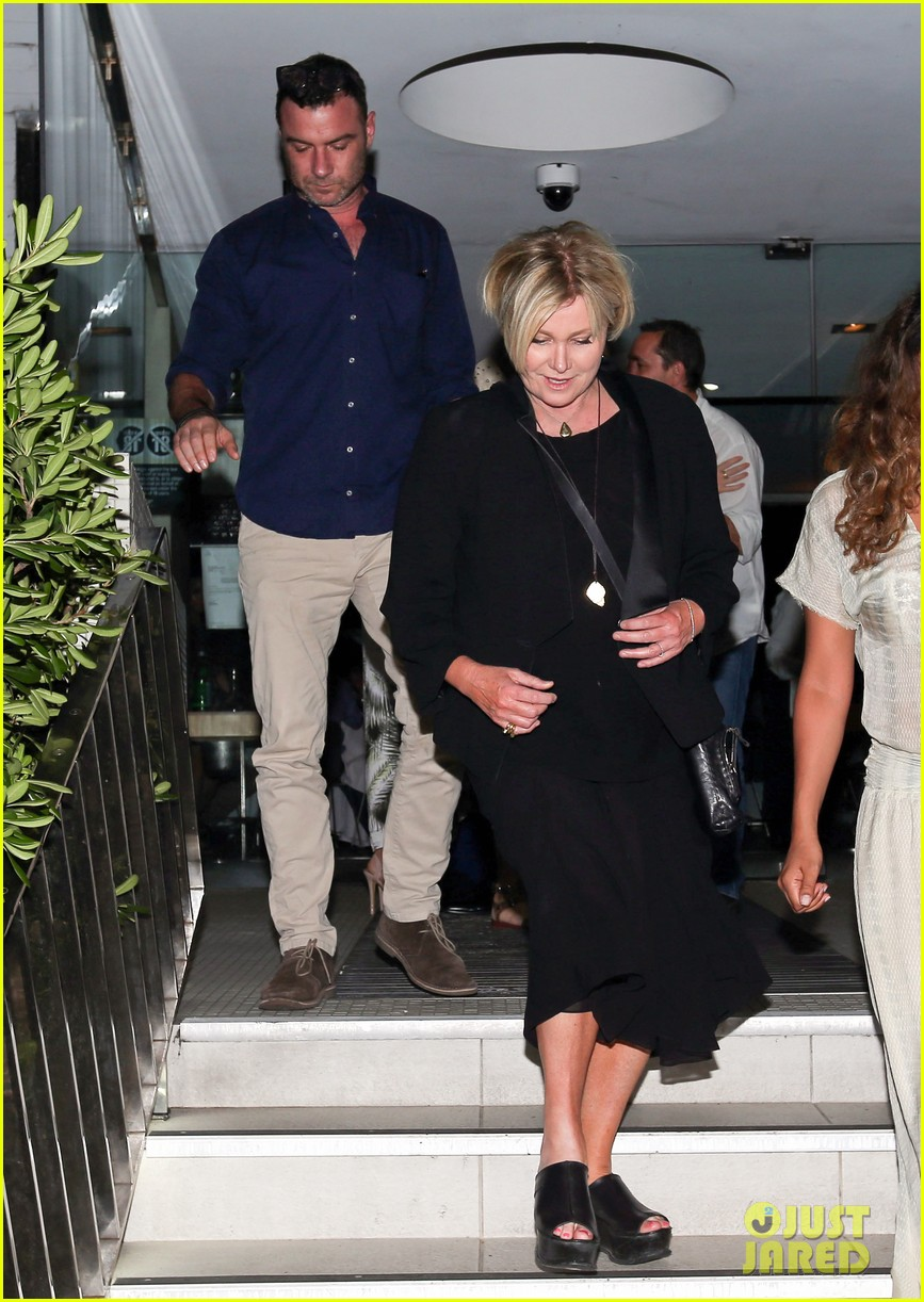 hugh jackman naomi watts their spouses enjoy dinner together in sydney 013014831