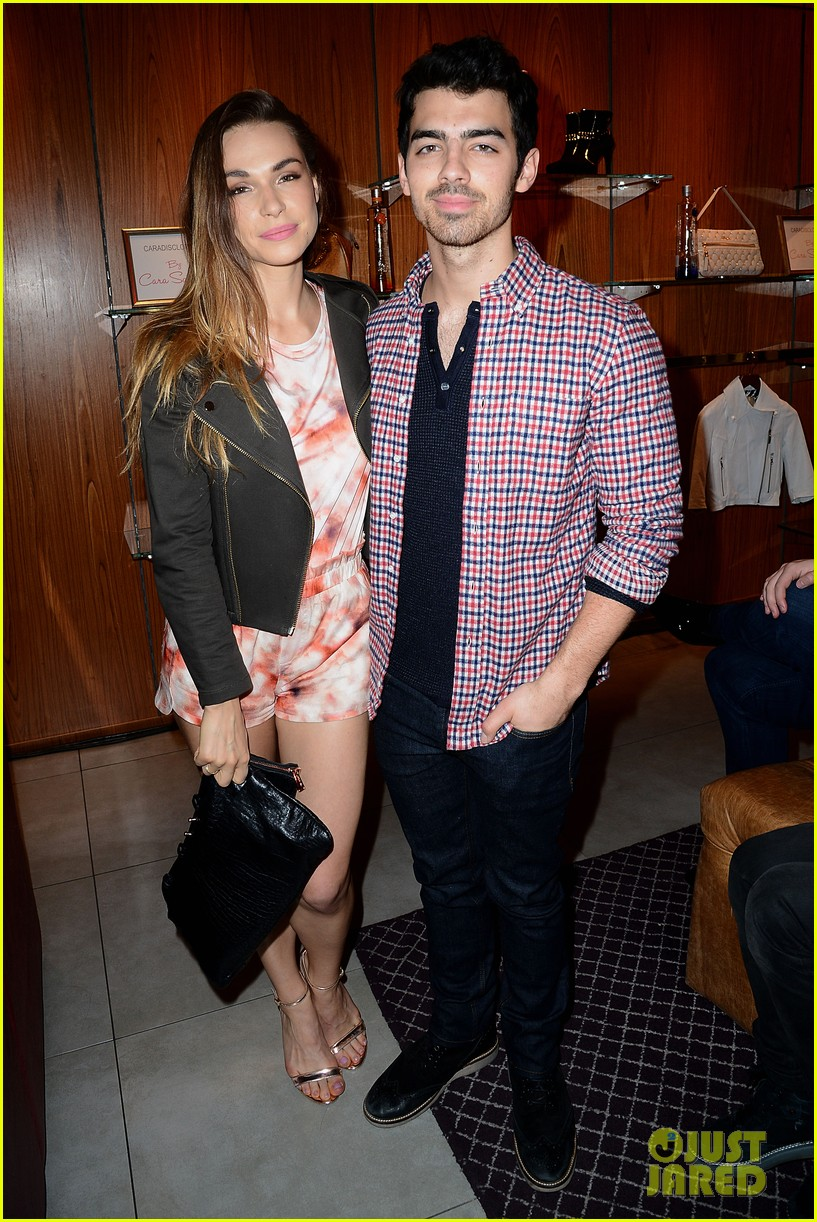 joe jonas celebrates cara santanas new blog launch exclusive pics 12